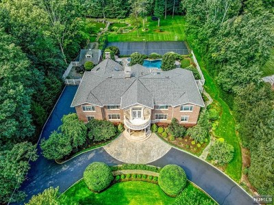 Upper Saddle River Single Family Home For Sale: 116 Oak Drive