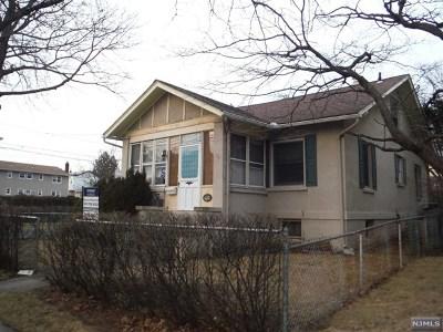 Carlstadt Single Family Home For Sale: 465 Hoboken Road