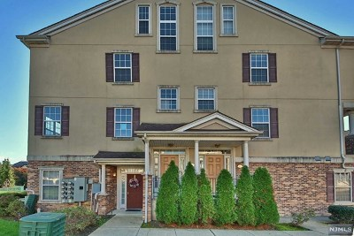 Clifton Condo/Townhouse For Sale: 117 George Russell Way #117