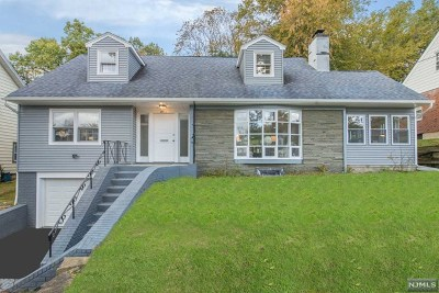 Essex County Single Family Home For Sale: 11 Erwin Place