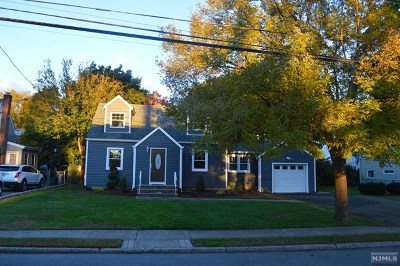 Fair Lawn Single Family Home For Sale: 10-09 1st Street