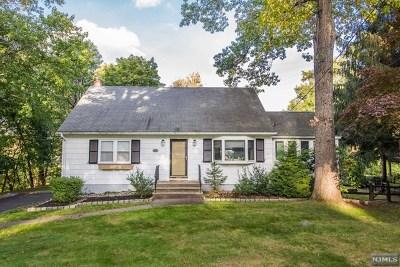 Midland Park Single Family Home For Sale: 22 Oak Street