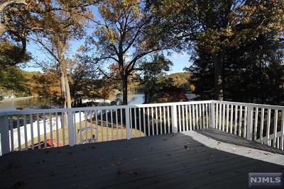 Ringwood Single Family Home For Sale: 25 Upper Lakeview Avenue