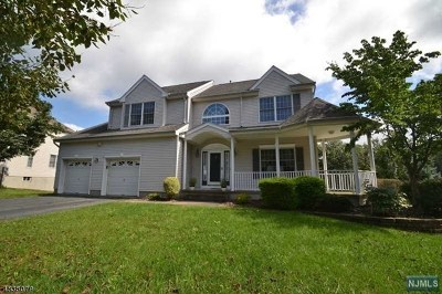 Morris County Single Family Home For Sale: 68 Lazarus Drive