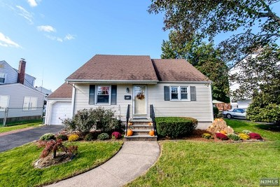 New Milford Single Family Home For Sale: 978 Pacific Street