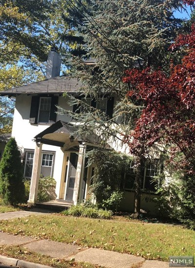 Leonia Single Family Home For Sale: 100 Palmer Place