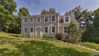 Wayne Single Family Home For Sale: 9 Karen Court