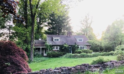 Woodcliff Lake Single Family Home For Sale: 219 Werimus Road