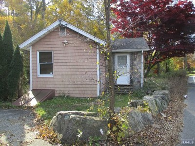 West Milford Single Family Home For Sale: 1686 Macopin Road
