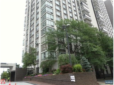 Fort Lee Condo/Townhouse For Sale: 1600 Parker Avenue #19a