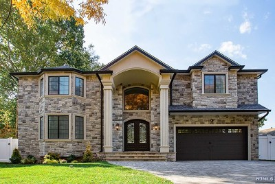 Paramus Single Family Home For Sale: 234 Hoppers Lane