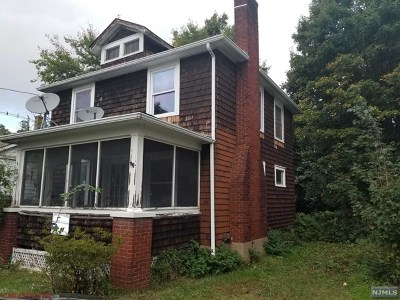 Pompton Lakes Single Family Home For Sale: 107 Ramapo Avenue