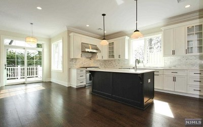 Tenafly Single Family Home For Sale: 20 Wight Place