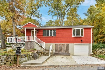 Ringwood Single Family Home For Sale: 84 Laurel Place