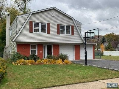 New Milford Single Family Home For Sale: 623 Columbia Street