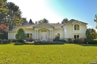Upper Saddle River Single Family Home For Sale: 8 Blueberry Hill