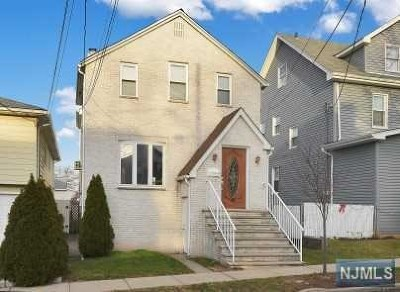 Carlstadt Single Family Home For Sale: 455 Summit Avenue