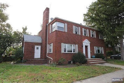 Fort Lee Single Family Home For Sale: 200 Bellemeade Avenue
