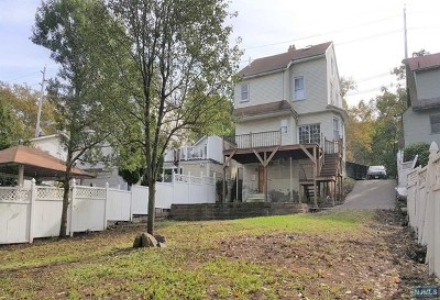 Leonia Single Family Home For Sale: 470 Grand Avenue