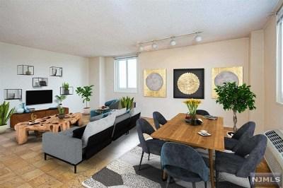 Union City Condo/Townhouse For Sale: 100 Manhattan Avenue #305