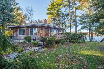 West Milford Single Family Home For Sale: 1 Storms Island