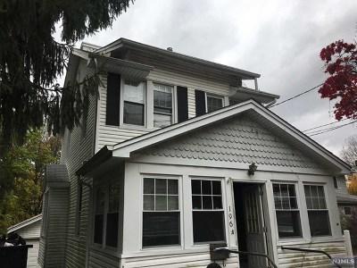 Leonia Single Family Home For Sale: 196 Grand Avenue