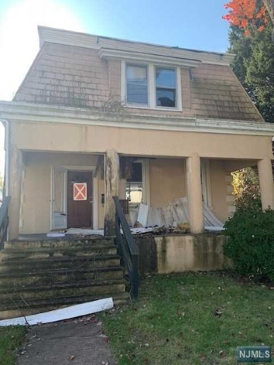 Bergenfield Single Family Home For Sale: 110 Bradley Avenue