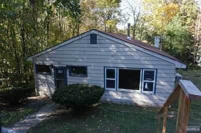 West Milford Single Family Home For Sale: 57 Chatham Road