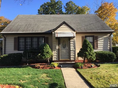 Hasbrouck Heights Single Family Home For Sale: 54 Hasbrouck Avenue