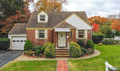 New Milford Single Family Home For Sale: 284 Myrtle Avenue