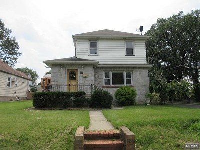 Hasbrouck Heights Single Family Home For Sale: 100 Hamilton Avenue