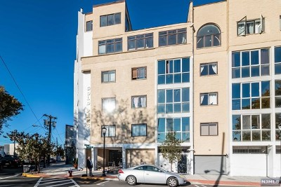 Union City Condo/Townhouse For Sale: 200 Paterson Plank Road #408