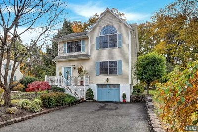 Franklin Lakes Single Family Home For Sale: 220 Mabelann Avenue