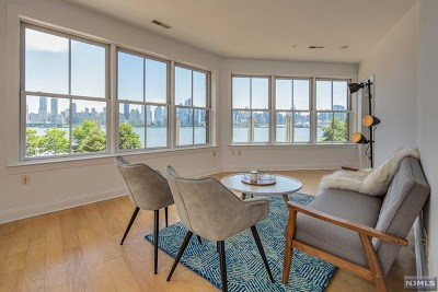 Hudson County Condo/Townhouse For Sale: 22 Ave At Port Imperial #0202