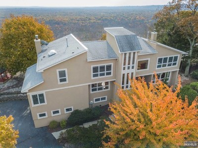 Morris County Single Family Home For Sale: 43 Rosenbrook Drive