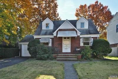 Fair Lawn Single Family Home For Sale: 36-02 Fair Lawn Avenue