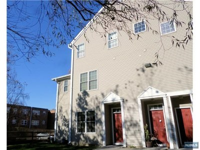 Ridgefield Park Condo/Townhouse For Sale: 29 Birch Street #115