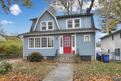 Leonia Single Family Home For Sale: 16 Cottage Place