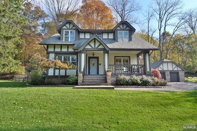 Saddle River Single Family Home For Sale: 58 East Saddle River Road