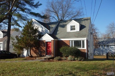 Teaneck Single Family Home For Sale: 1348 Mercedes Street