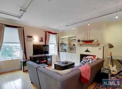 Hoboken Condo/Townhouse For Sale: 118 Washington Street #3