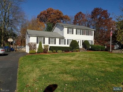 West Milford Single Family Home For Sale: 7 Bordeaux Terrace