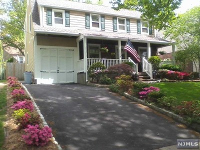 Teaneck Single Family Home For Sale: 733 Catalpa Avenue