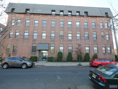 Jersey City Condo/Townhouse For Sale: 200 Central Avenue #D7