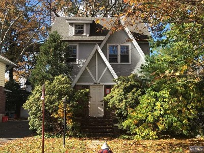 Cliffside Park Single Family Home For Sale: 7 Everett Place