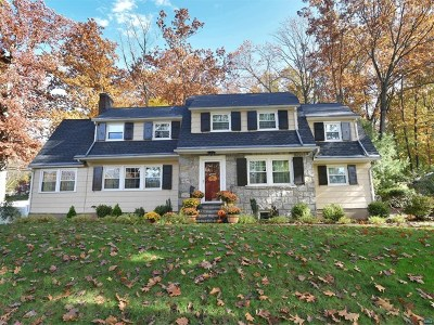 Ridgewood Single Family Home For Sale: 267 Gateway Road