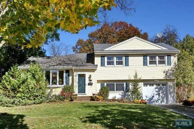 Glen Rock Single Family Home For Sale: 150 Chadwick Place