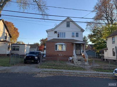 Bergenfield Single Family Home For Sale: 20 Bergen Avenue