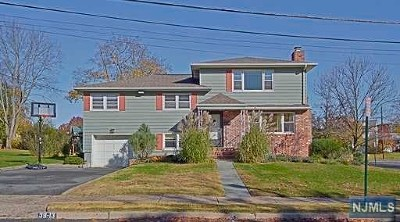 Fair Lawn Single Family Home For Sale: 39-13 Kearns Place