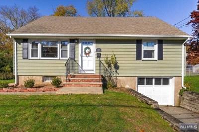 Totowa Single Family Home For Sale: 82 Sutton Avenue